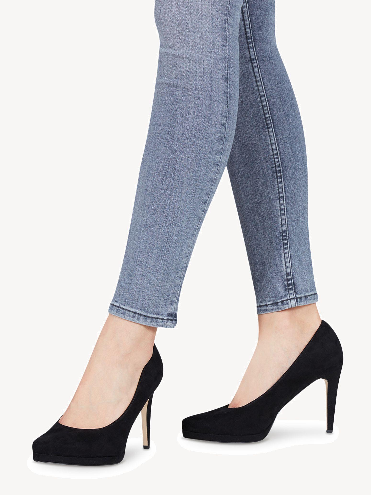 Für festliche Anlässe sind diese modischen High Heels