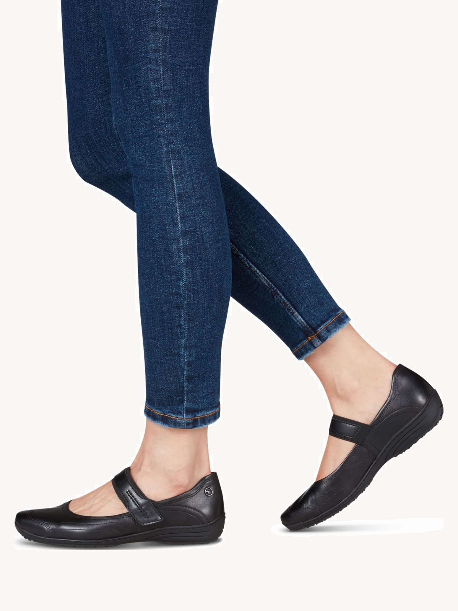 Hitam 1 24601 21 Buy Tamaris Ballerinas Online Tendencies Sandals Footbed 2 Strap Black 40 Hi Res